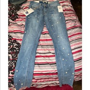 NWT PEARL DETAILED MID RISE ANKLE JEANS